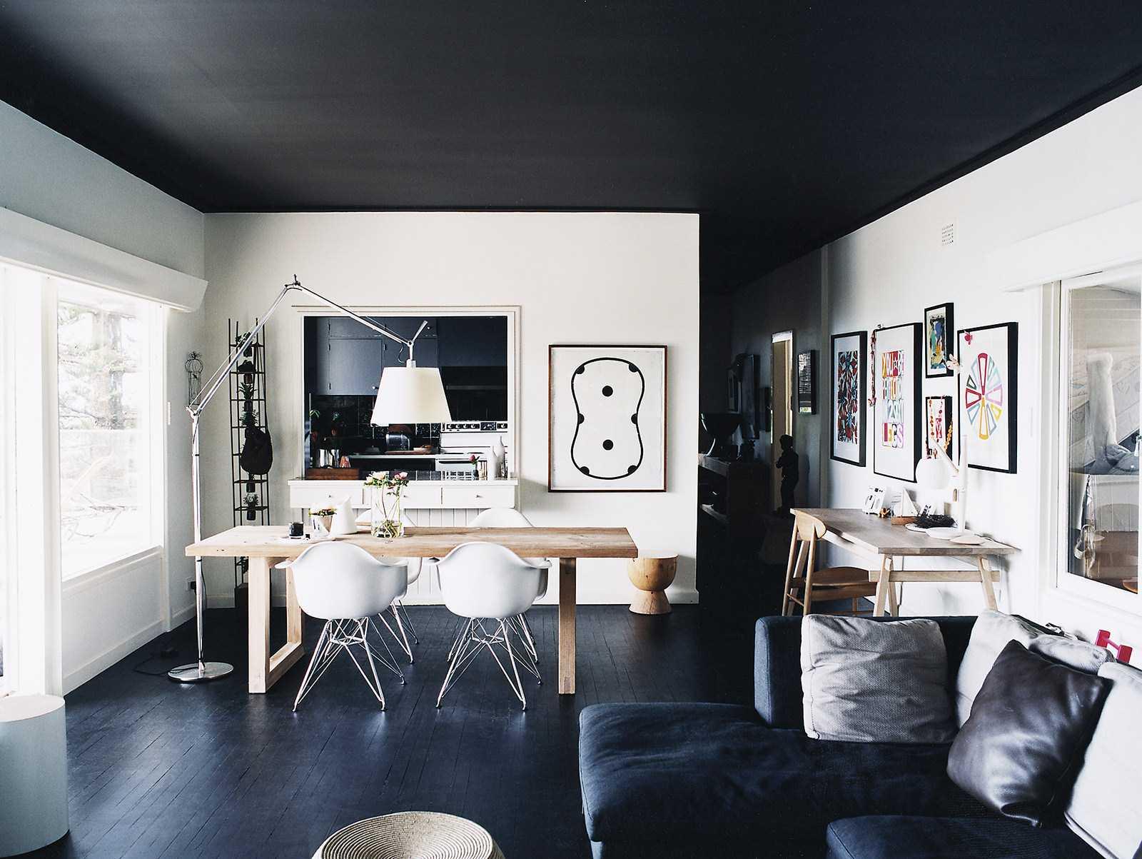 Arredamento Con Pavimento Marrone pareti bianche pavimento marrone. parquet nero: pavimento